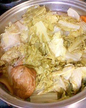 白菜山盛り☆白菜とぶなしめじとはんぺんと人参の鍋♪