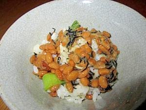 ひじき納豆鰹節醤油飯