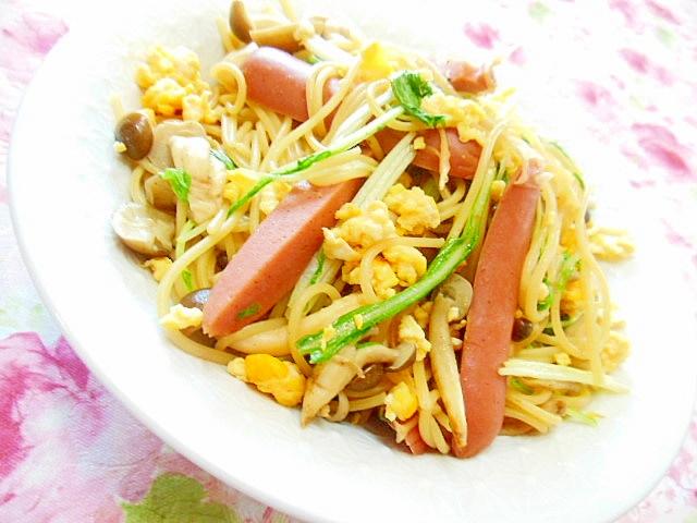 ウィンナーと水菜とブナシメジの和風パスタ