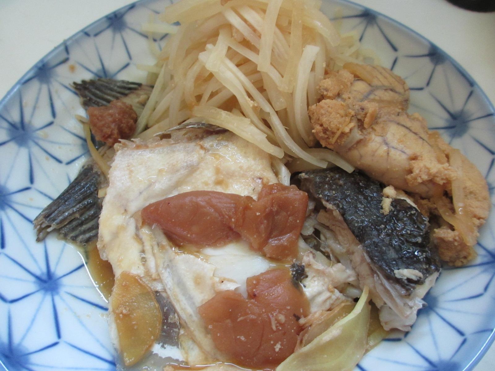 ヒラメのアラと千切り大根の梅煮