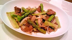 牛肉・アスパラ・ブロッコリーの茎の炒め物