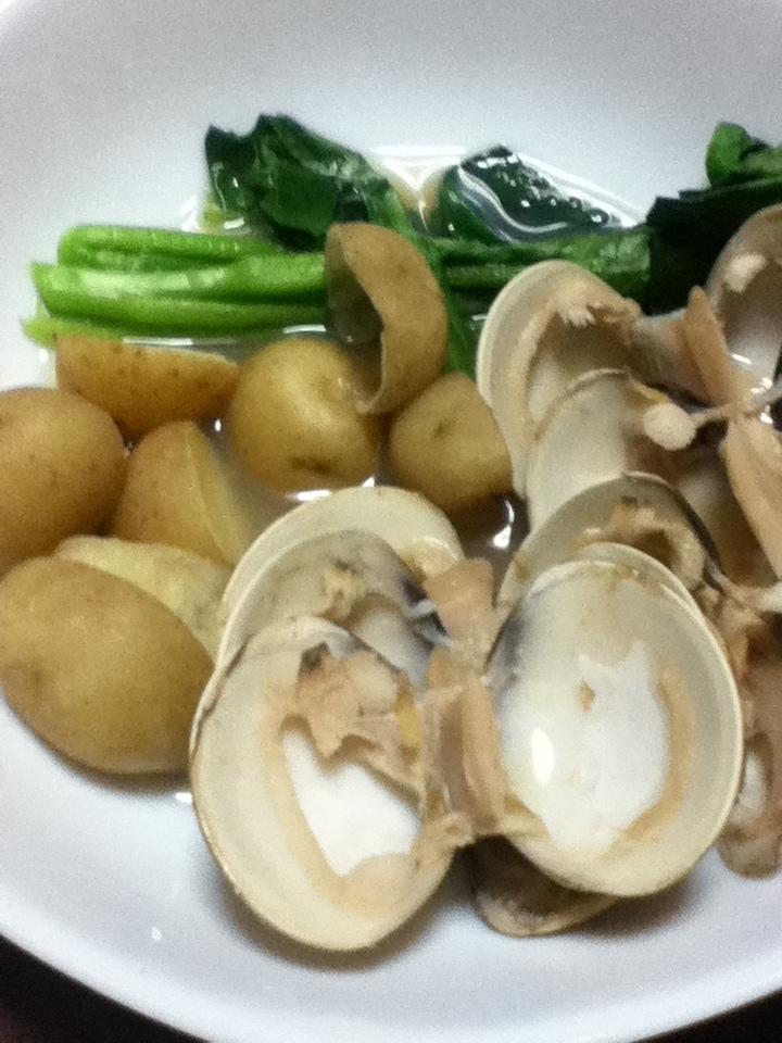 ハマグリとジャガイモと小松菜の煮浸し
