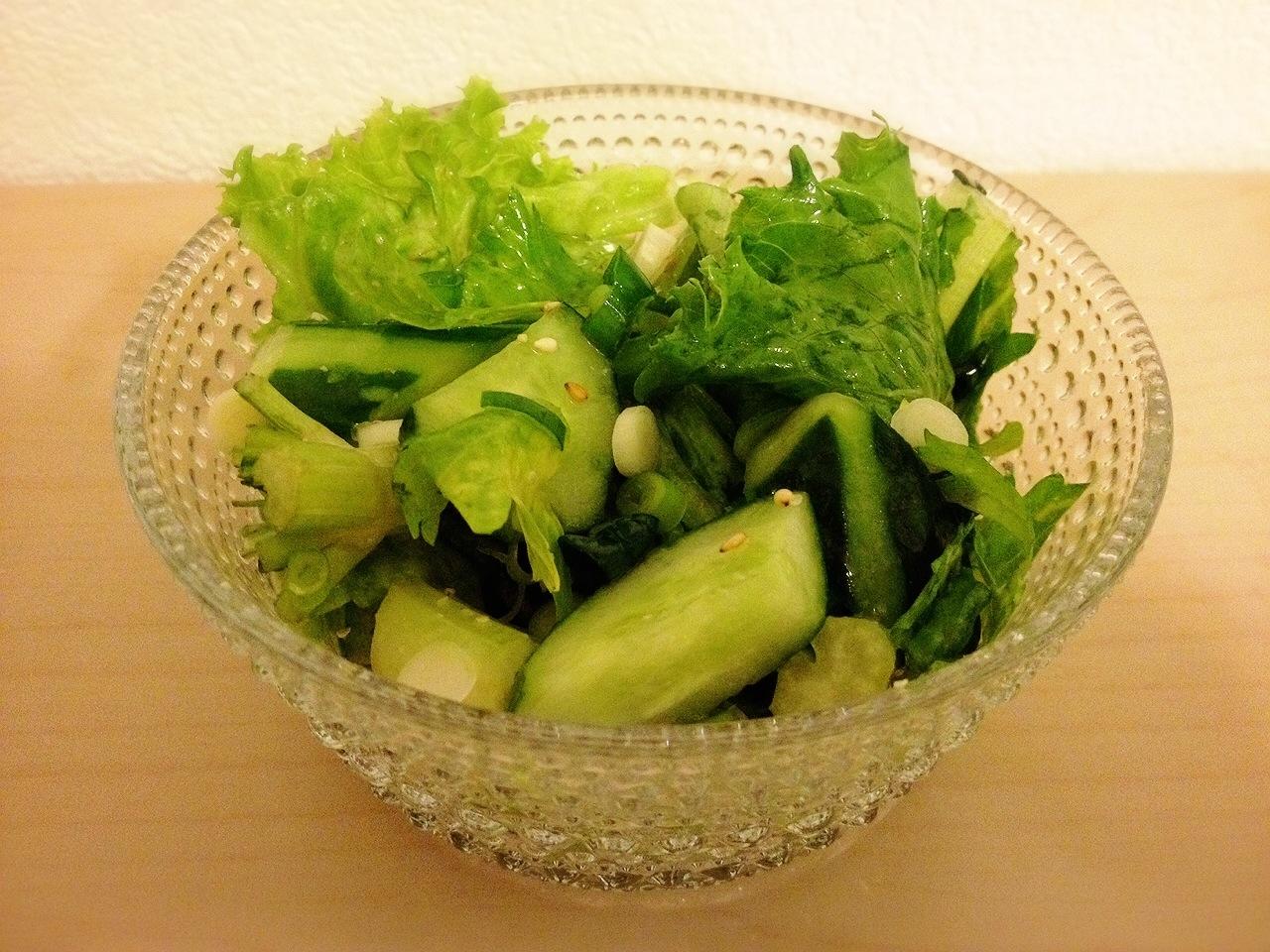 きゅうりとセロリのナムル風サラダ
