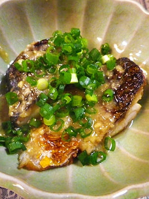 味噌煮より簡単、焼き鯖の味噌ダレがけ