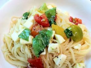 これから夏に☆トマトとモツァレラチーズの冷製パスタ