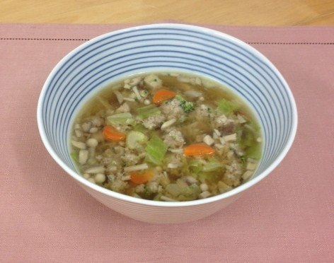 キャベツと豚挽き肉のスープ