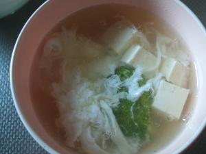 豆腐とブロッコリーの卵スープ
