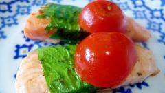 ♥ 大場巻きサーモンのソテーミニトマト添え ♥