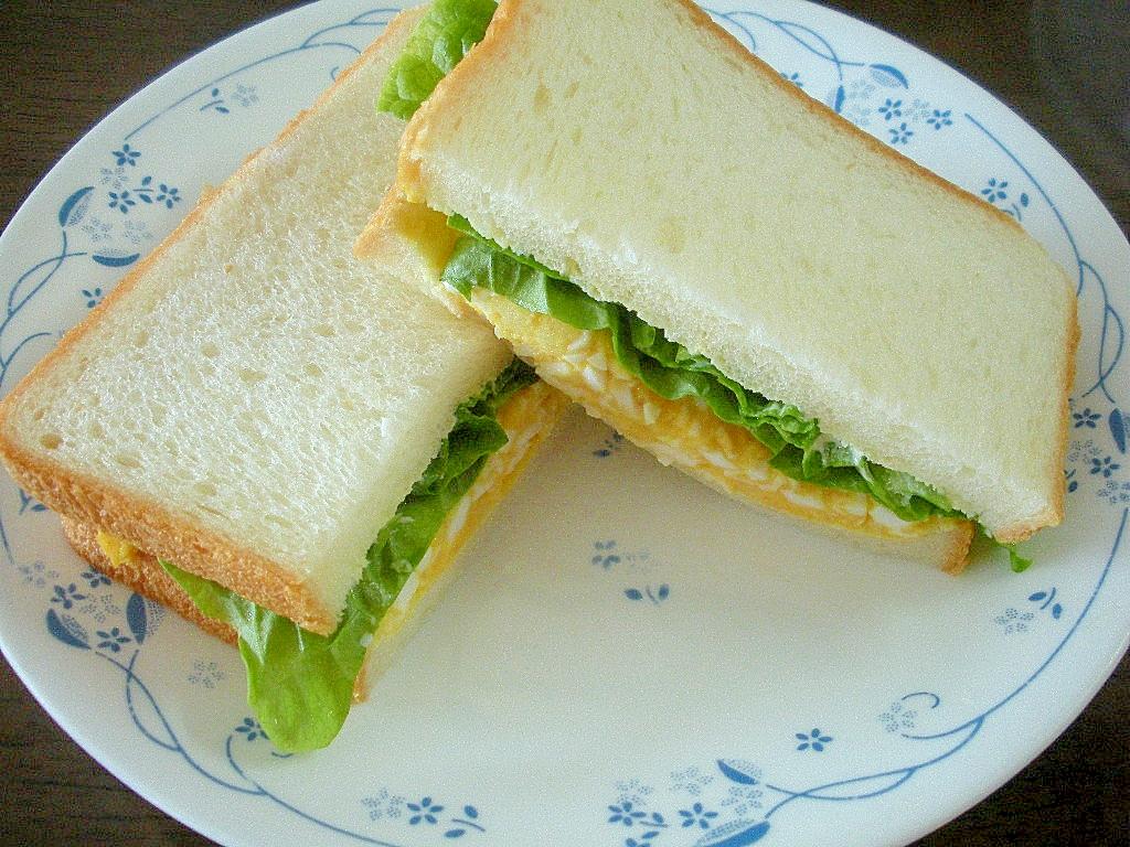 ☆ゆで卵とサンチュのサンドイッチ☆