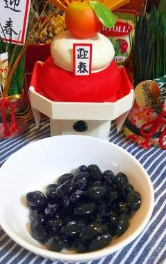 黒豆水煮と栗甘露煮の余った汁で、簡単煮豆風☆