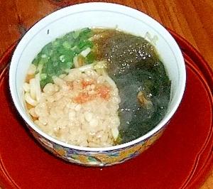 冬のお昼は暖かいうどん♪とろろ昆布&揚げ玉 レシピ・作り方 by cachecache|楽天レシピ