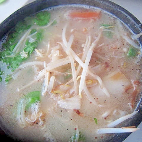 えのき白菜絹サヤ帆立水餃子ラー麺