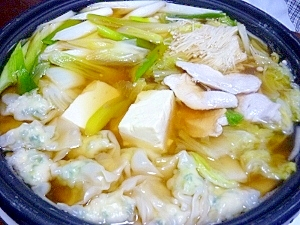 あっさり~ダイエットにも(^-^)鶏ムネ肉餃子の鍋