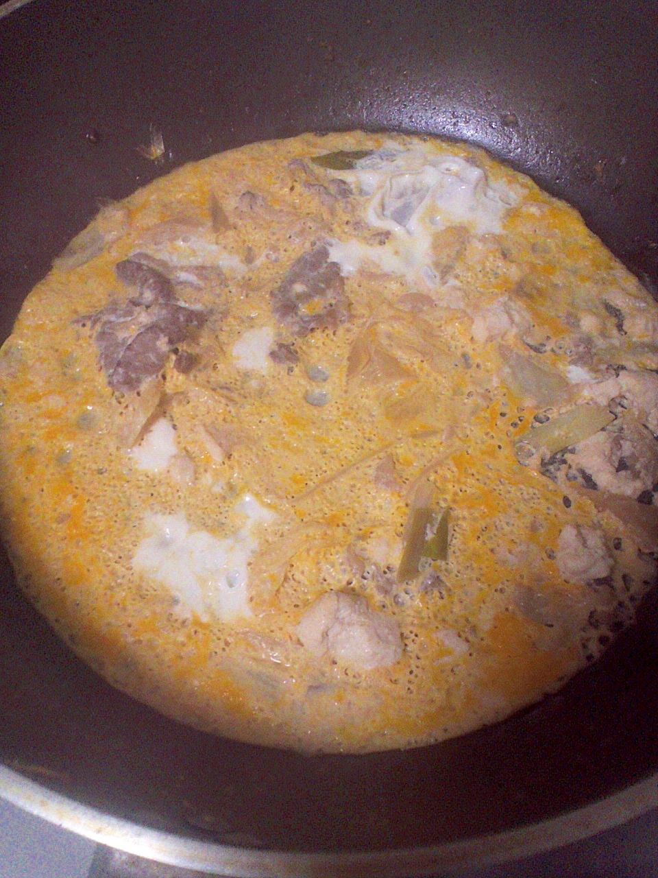 フライパンで簡単♪牛肉&えのき&たまねぎの卵とじ