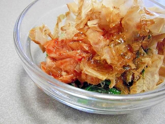 火を使わず簡単1品!小松菜とキムチのおかか和え♪