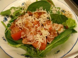 【ダイエットに!】ベーコンとチーズのモリモリサラダ