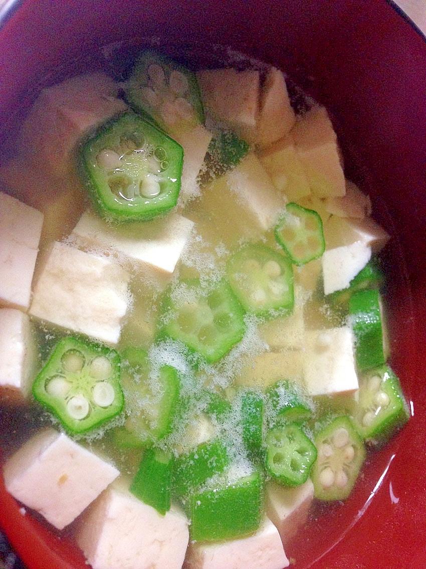 オクラと豆腐の吸い物