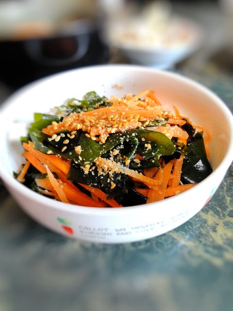 小さな野菜のおかず★人参とワカメのナムル