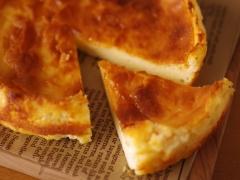 シンプル何にでもあう!酸味&濃厚チーズケーキ