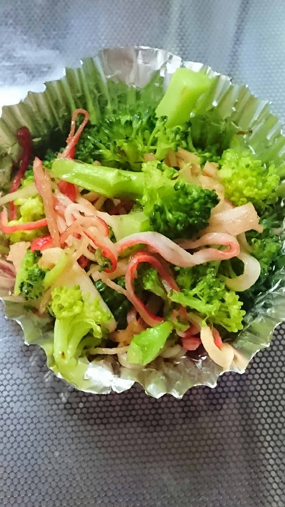 お弁当に☆ブロッコリーとカニカマのマヨしょうゆ炒め レシピ・作り方