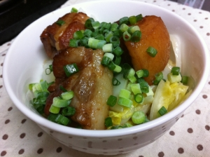ガッツリ☆圧力鍋で簡単♪豚の角煮丼