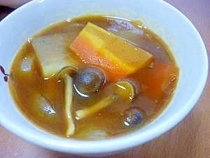 **冷蔵庫のお野菜deカレースープ***