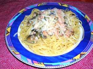 鮭とマッシュルームのスパゲッティ