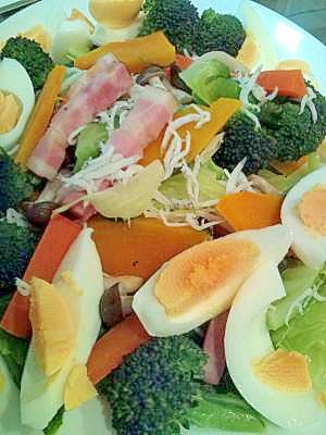 しらすとベーコンの温野菜