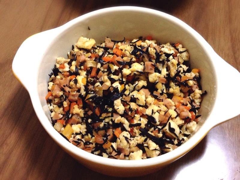 3.ひじきの煮物で炒り豆腐