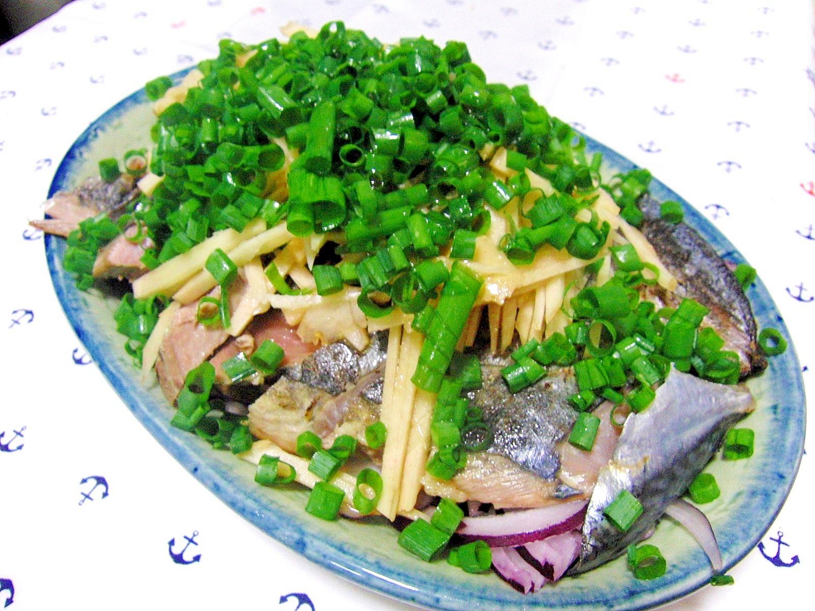 たっぷりの新生姜と紫玉葱でカツオのたたき