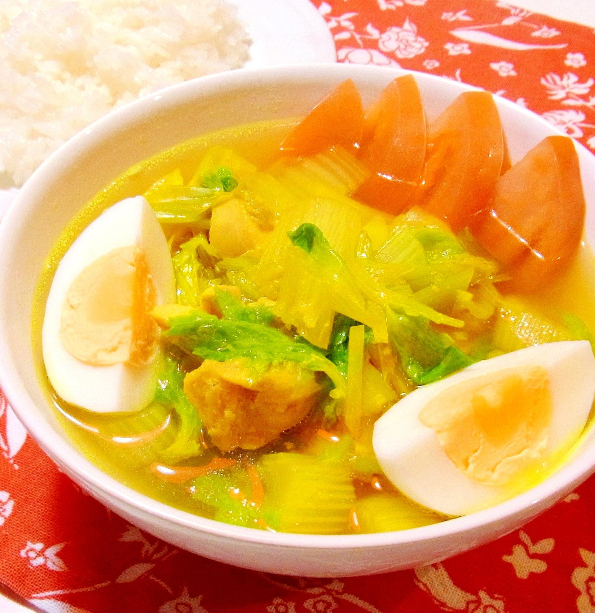 ソトアヤム(鶏肉と野菜の具沢山スープ)