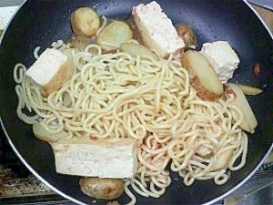 豆腐ジャガイモ塩焼きそば