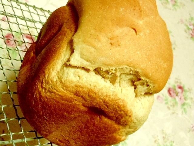 優しい風味バナナ入り全粒粉チョコ食パン