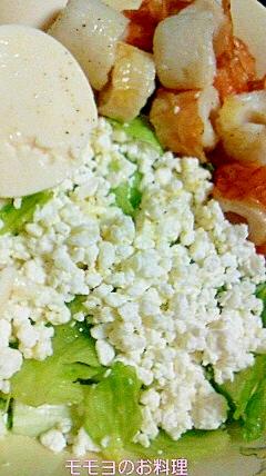 カッテージチーズとお豆腐とちくわのサラダ