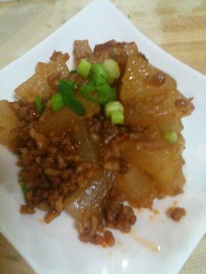 ピリ辛が美味しい♪大根とひき肉炒め
