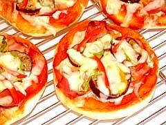 【ママパン】調理パン生地を利用したパンピザ