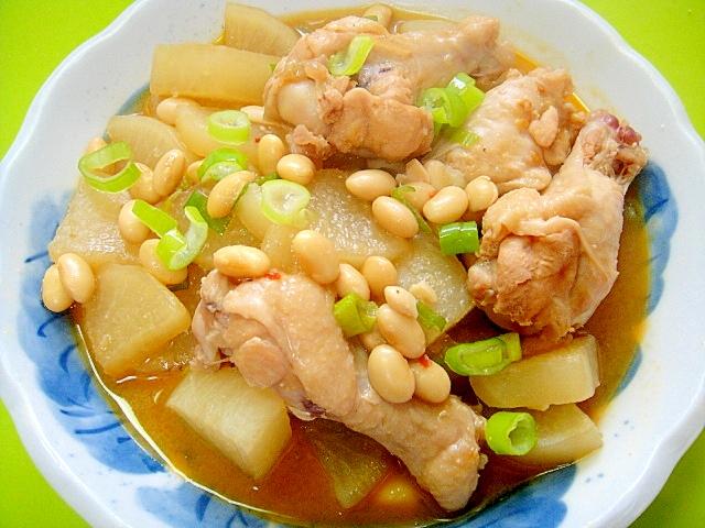 4.大根と鶏手羽元、大豆の味噌煮