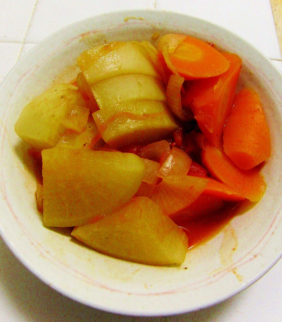 簡単!手間無し!失敗無し!根菜のトマトソース煮