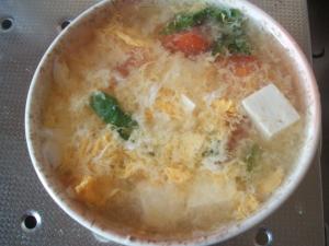 トマトと豆腐の卵スープ