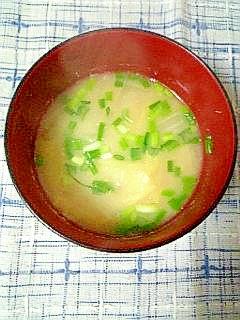 ☆白菜と万能ねぎのお味噌汁☆