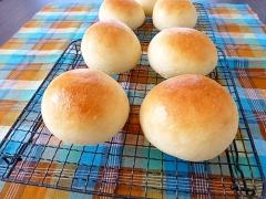 余った卵白で丸パン