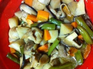 シリコンスチーム鍋で、カンタン煮物