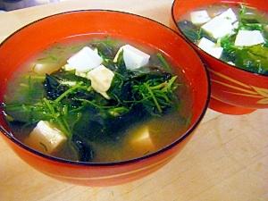 おかひじき、ワカメ、豆腐の味噌汁