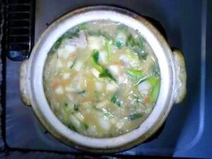 野菜たっぷり!!鶏肉の辛みそ雑炊鍋