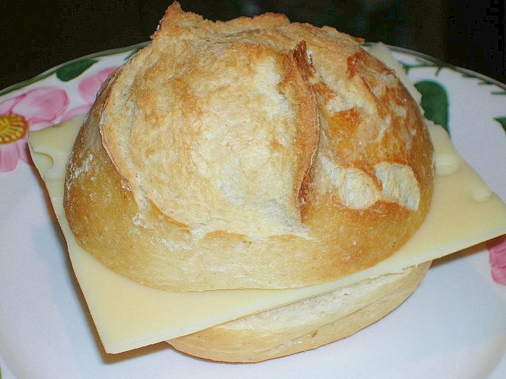 エメンタールチーズのサンドイッチ♪