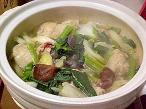 簡単おいしい☆ウェイパーで鶏の中華風鍋 ○