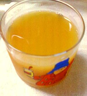 爽やかでちょっと甘い紅茶のオレンジジュース割り