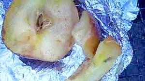 バーベキューに焼きリンゴ
