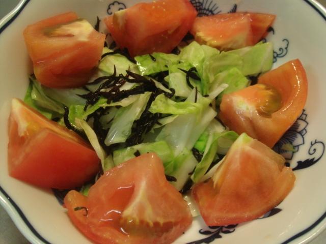 ひじきとキャベツ、トマトの和風サラダ
