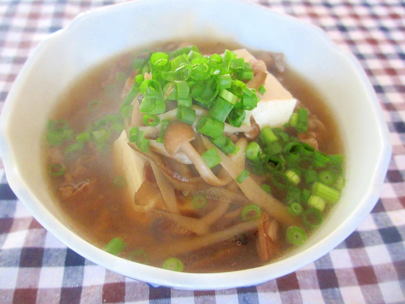 牛肉、ごぼう、しめじの和風豆腐スープ